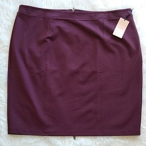 NWT Halogen burgundy zipper pencil skirt size 22